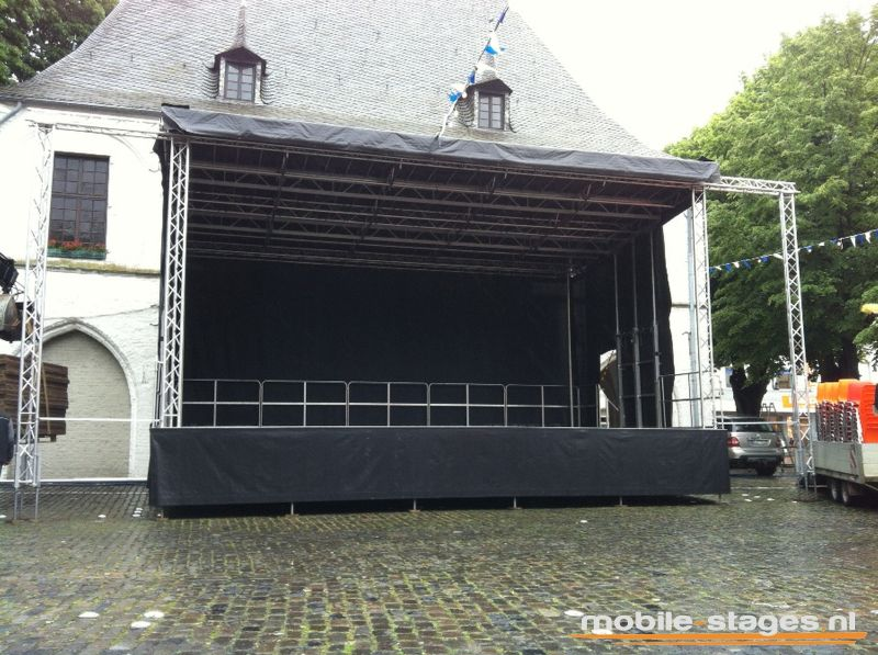 mobile-stage-61 01